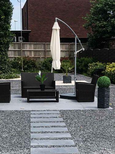 Ardenner split grijs 8 - 16mm aangelegde tuin