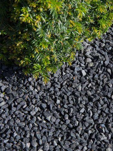 Basalt split 8 - 11mm aangelegd