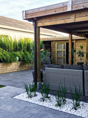Crystal white grind aangelegde tuin