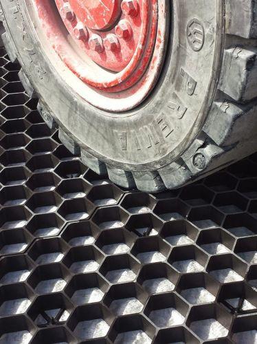 EuroGravel PRO grindplaat zwart is zeer drukvast