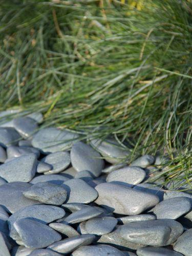 Flat Pebbles groen 30 - 60mm (3 - 6cm) aangelegd