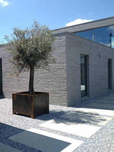Ice blue split 8 - 16mm aangelegd moderne tuin