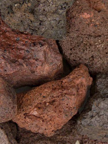 Lava brokken 40 - 80mm (4 - 8cm) (nat)
