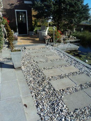 Wit grind tuin aangelegd