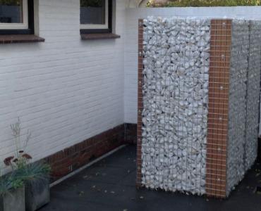 Verfrissend en stijlvol: Een buitendouche van steenkorven!