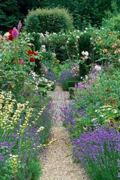 Engelse tuin met grind