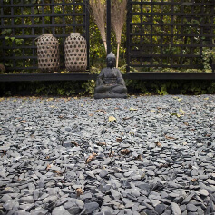 Flat pebbles zwart aangelegd