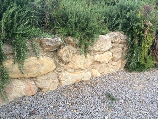 Grove tuinmuur rotstuin
