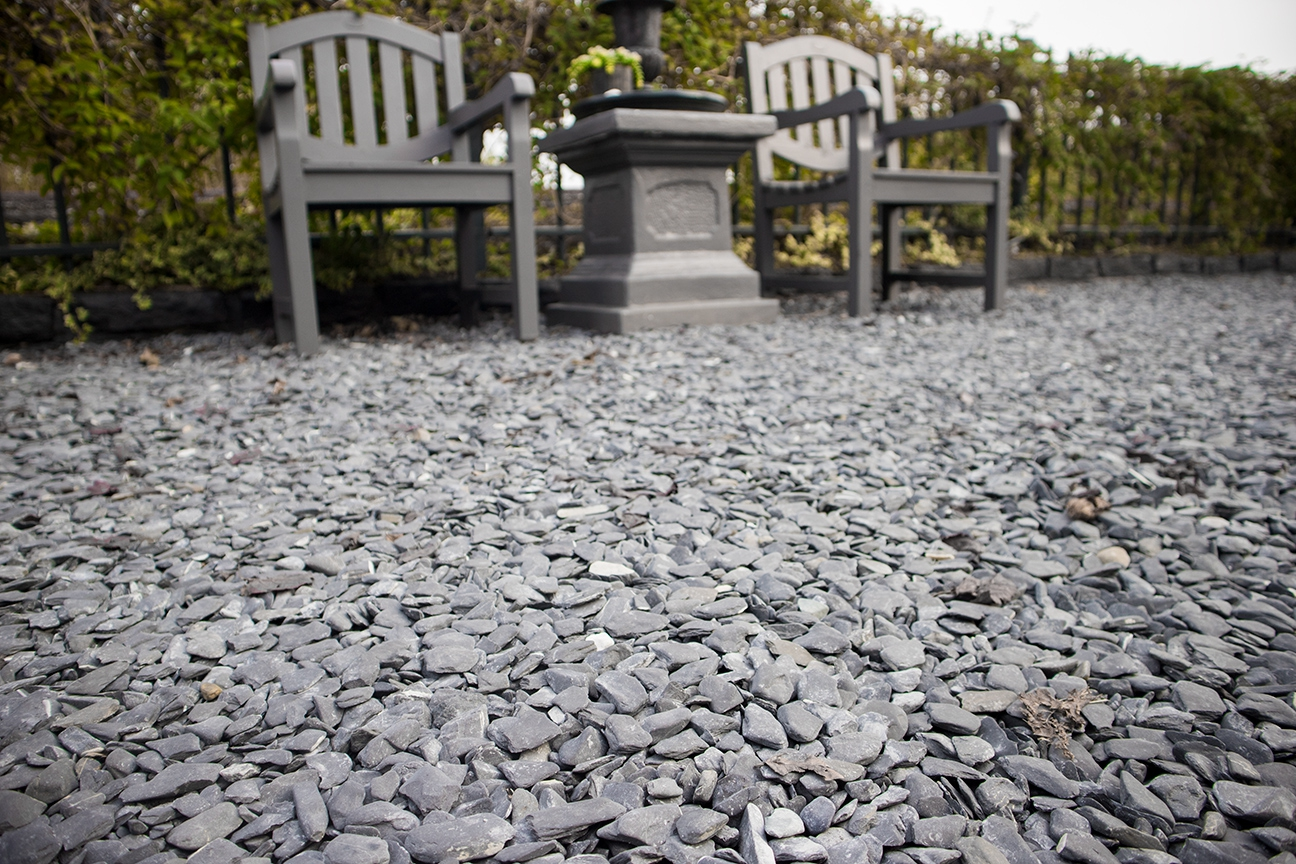 flat pebbles zwart oprit